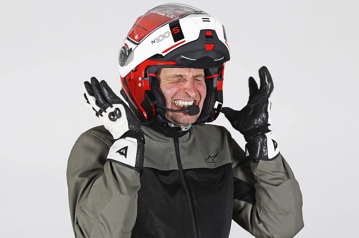 motorcykelhjälm med bluetooth